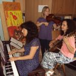 L'Ensemble TEMAconVariazioni: Donatella-Raffaella-Valeria provano Vivaldi prima del concerto