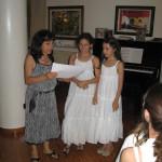 La consegna dei diplomini durante la festa di fine anno
